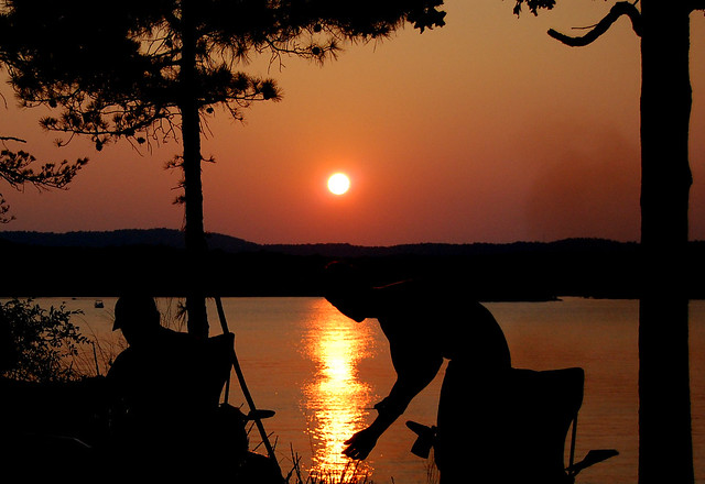 Things to Do in Oklahoma Sunset on Broken Bow Lake