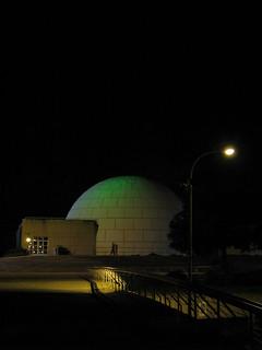 ภาพของ Planetario de Madrid ใกล้ Arganzuela. madrid sky moon night noche eclipse luna cielo