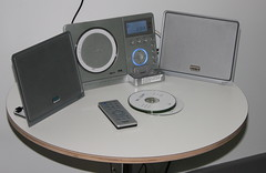 ipod(0.0), personal computer(0.0), portable media player(0.0), computer hardware(0.0), computer speaker(1.0), multimedia(1.0), stereophonic sound(1.0), electronics(1.0), media player(1.0),
