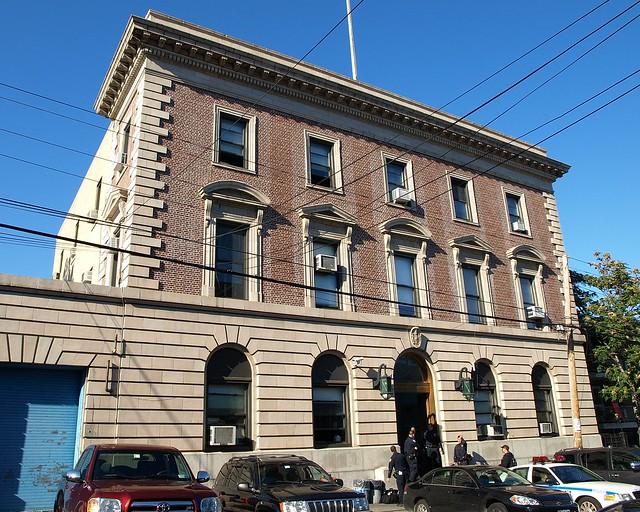 P110 nypd police station precinct 110 elmhurst queens - Garden city police department ny ...