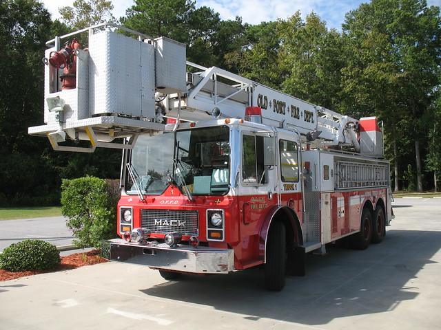 Old Mack Fire Trucks : Ladson sc old fort fire department mack truck