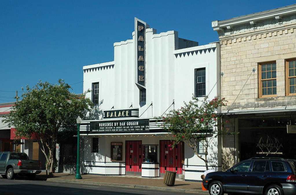 River Oaks Texas >> GEORGETOWN PALACE THEATER. GEORGETOWN PALACE - 100 OAKS MOVIE THEATER
