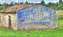 Etauliers Dubonnet blue 02 HDR