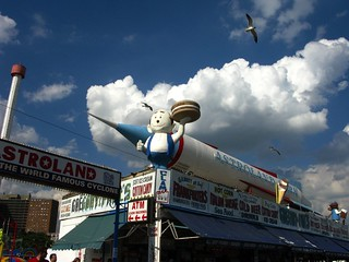 Opening Day - April 5, 2009 - Astroland Is Dark (Photo taken Aug 2008)