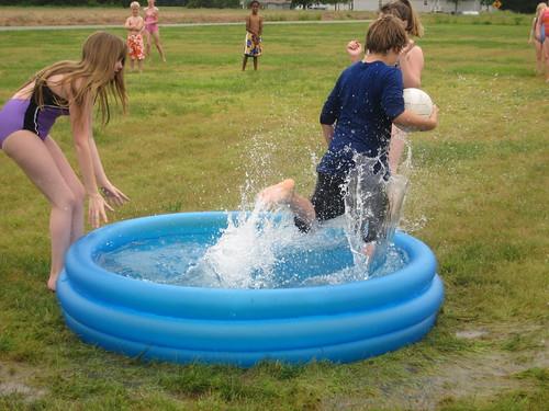 kiddy pool kick ball