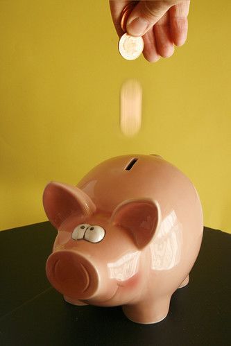 "Foto ""Piggy savings bank"" by alancleaver_2000 - flickr"