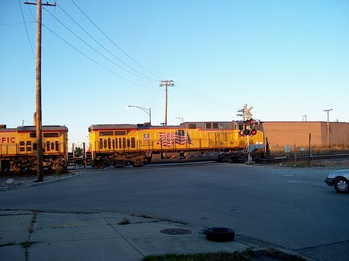 Eastbound Union Pacific unit coal train entering the city of Chicago Illinois. October 2006. by Eddie from Chicago