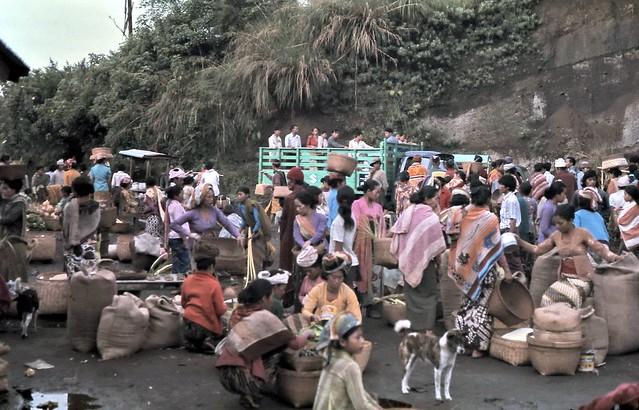 gm_01010 Bali Island, Penelokan Market, Indonesia 1975