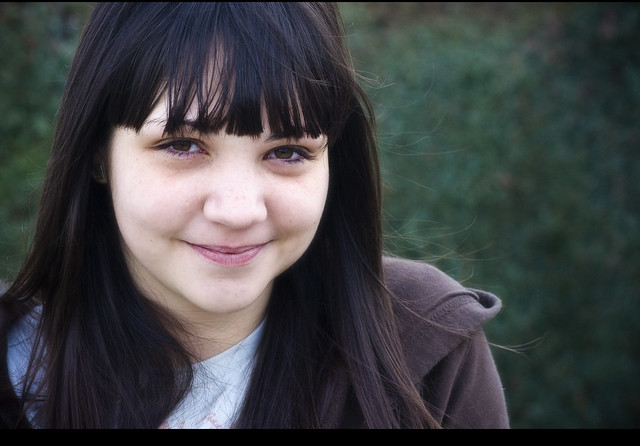 Shy smile // Tímida sonrisa