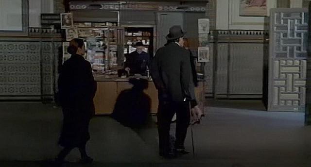 "Estación de Ferrocarril, Toledo, en 1969 (Captura de ""Tristana"" de Buñuel)"