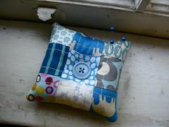 { b l u e } patchwork pincushion