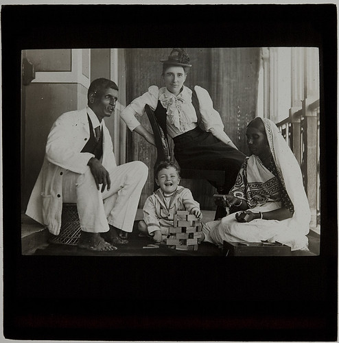 Family of Thomas de Souza, Bombay, India, c. 1900?