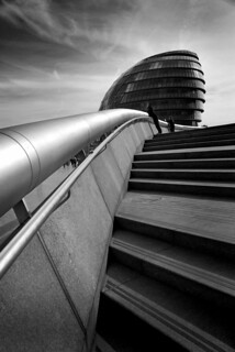 UK - London - City Hall steps - B&W
