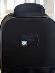 business bag(0.0), brown(0.0), backpack(0.0), bag(1.0), hand luggage(1.0), baggage(1.0),