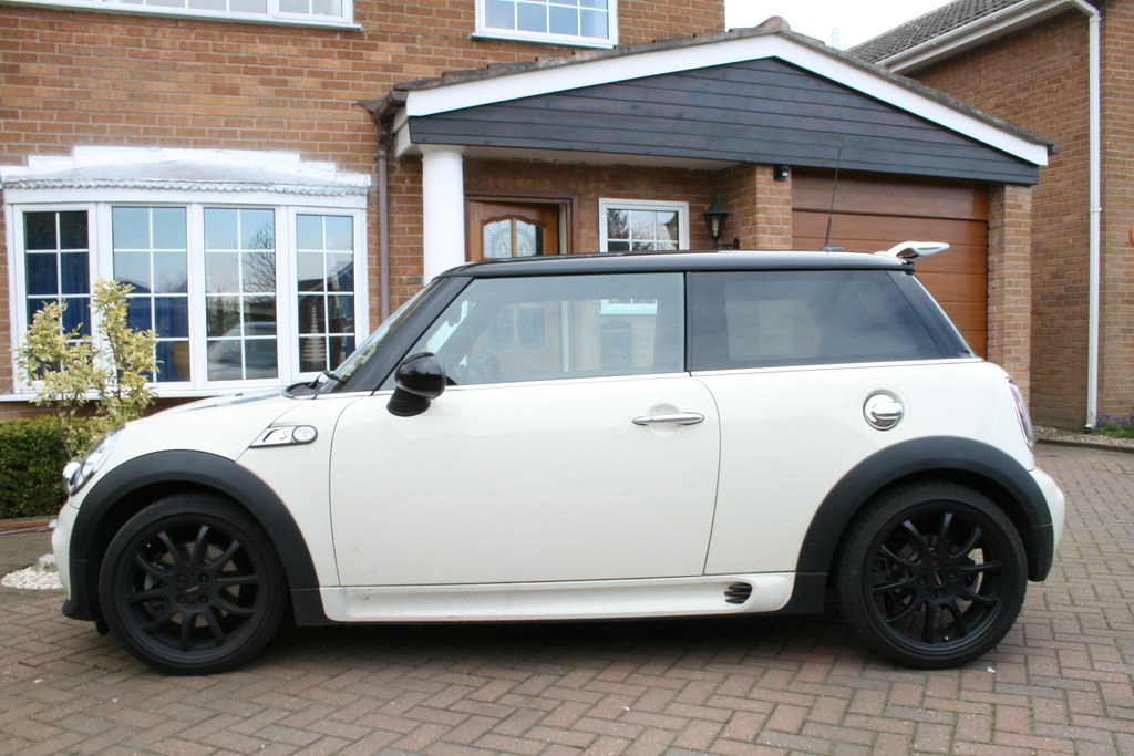 r56 jcw carbon spoiler just fitted mini cooper forum. Black Bedroom Furniture Sets. Home Design Ideas