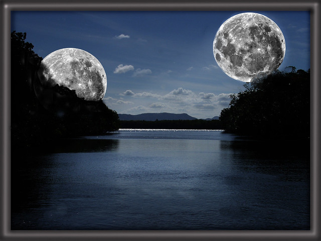 twin moons - photo #5