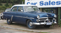 automobile, automotive exterior, vehicle, mid-size car, antique car, sedan, classic car, vintage car, land vehicle, luxury vehicle,
