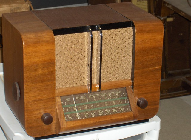 RCA Victor A-20 Tube Radio