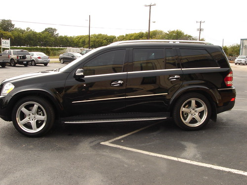 Armored bulletproof mercedes benz gl550 suv for Mercedes benz armored