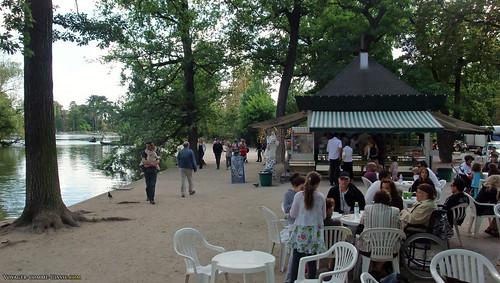 Manger une crêpe au bord du lac, au bois de Vincennes?