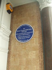 Photo of Henry Cooper blue plaque