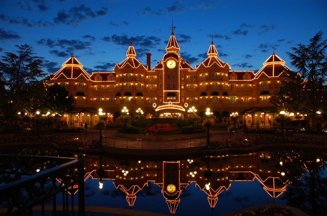 disneyland hotel paris: