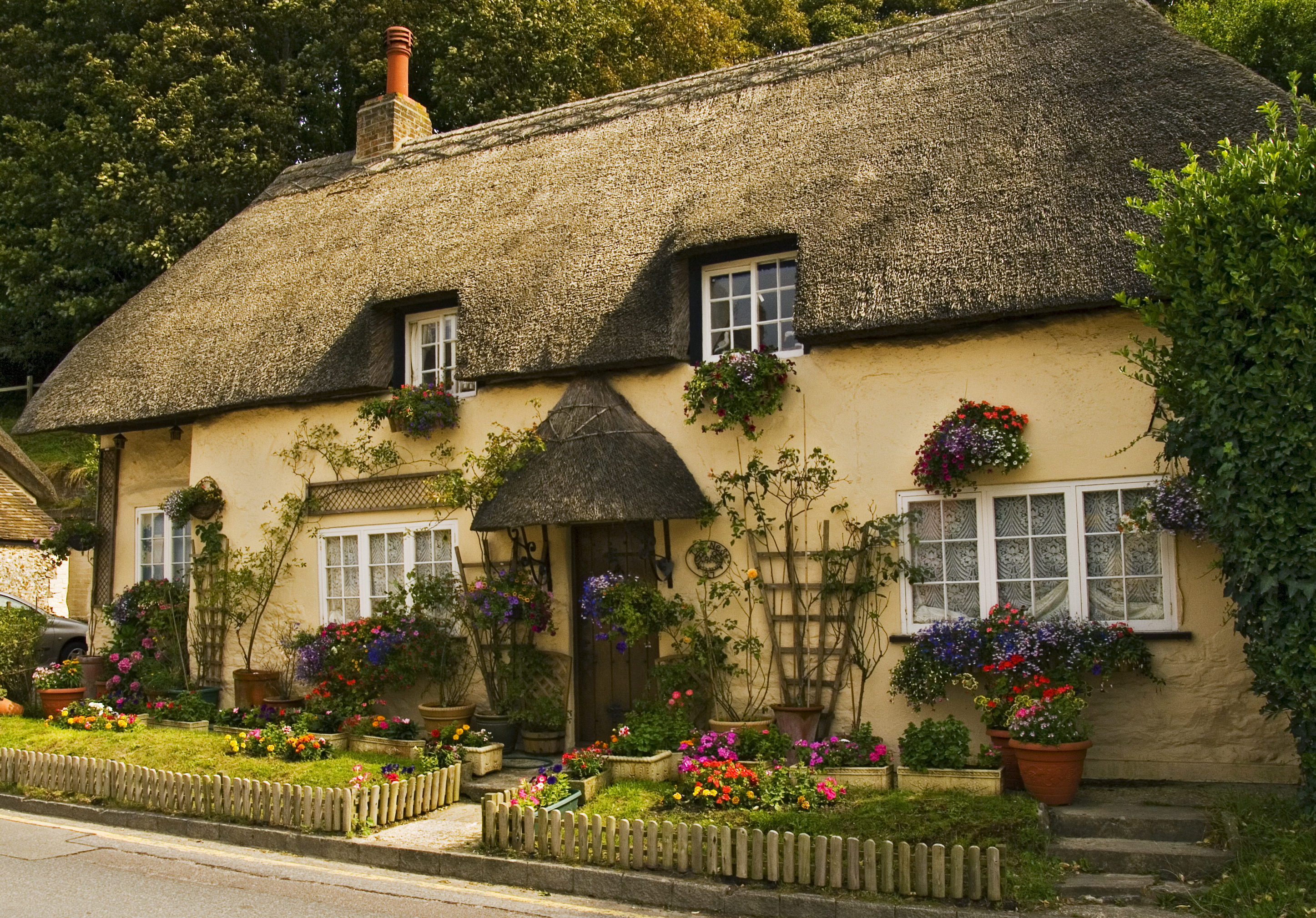 Cottage at west lulworth dorset flickr photo sharing for Cottage and home