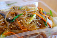 noodle, meal, mie goreng, japchae, pancit, cellophane noodles, hokkien mee, char kway teow, food, dish, yakisoba, chinese noodles, cuisine, chow mein,