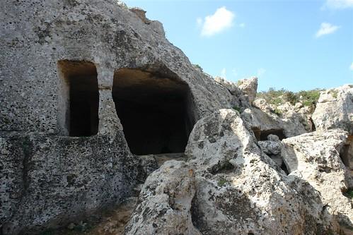 Cuevas de la Cala Morell menorca - 2907693686 14143bc8d1 - Menorca, isla de misterios arqueológicos