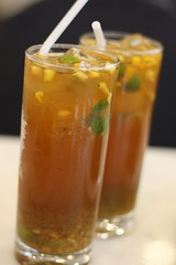 cuba libre(0.0), iced tea(1.0), produce(1.0), food(1.0), drink(1.0), cocktail(1.0), mai tai(1.0), alcoholic beverage(1.0),