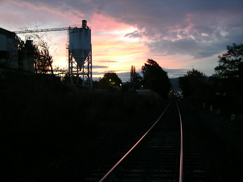 railroad sunrise washington cement tracks bellingham bnsf cementplant whatcomcounty burlingtonnorthernsantafe bellinghamsubdivision