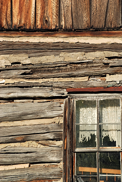 Logcabin curtains curtains blinds for Log cabin window treatments