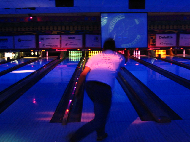 moonlight bowling games