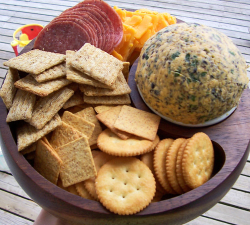 Cheeseball & Crackers