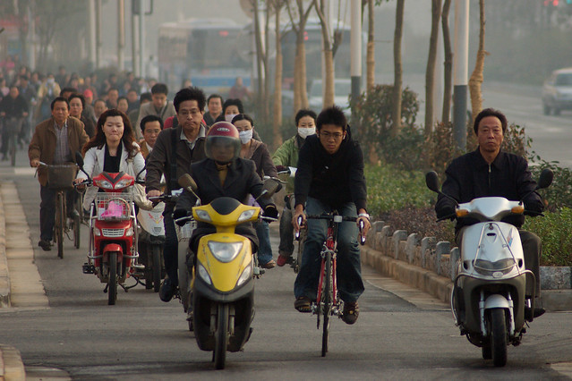 Commuters wearing face masks in Nanjing