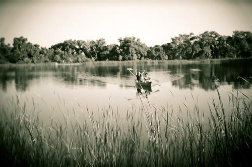 arizona blackandwhite bw water 35mm holga lomo picnic lagoon canoe cottonwood 2008 sundayafternoon verdevalley cottonwoodaz deadhorseranchstatepark ellenjo june2008 ghostwagens holga135bc ellenjoroberts ellenjdroberts springtimeinarizona