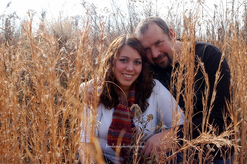 family autumn portrait fall field grass dad photoshoot sister father daughter laughter