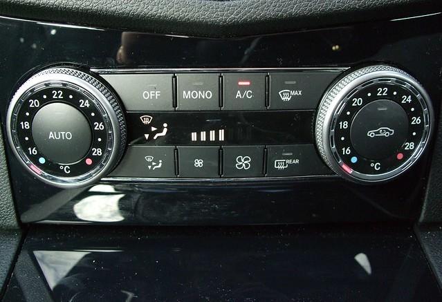 Mercedes c class dashboard lights for Mercedes benz dashboard lights not working