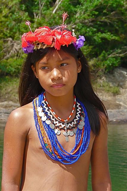 Amazon nude desnuda