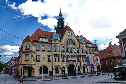 travel viaje architecture geotagged arquitectura slovenia townhall slovenija eslovenia ayuntamiento mestnitrg luciojosémartínezgonzález anawesomeshot luciojosemartinezgonzalez geo:lat=46420042066661 geo:lon=158717990666628