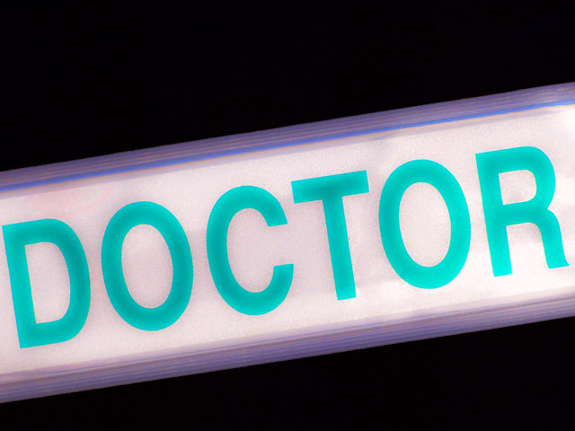 Doctor reflective badge