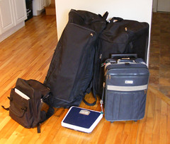 outerwear(0.0), bag(1.0), hand luggage(1.0), suitcase(1.0),