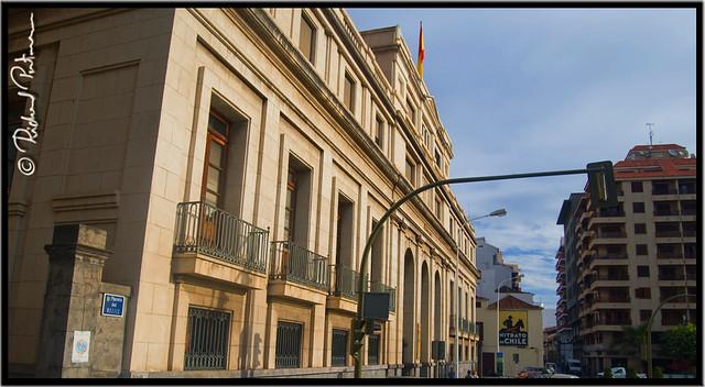 Edificio de correos de espa a y el anuncio nitrato de for Edificio de correos madrid