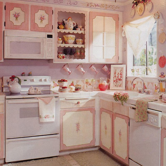Shabby Chic Kitchen Decor Pictures: Romantic Homes March 2003