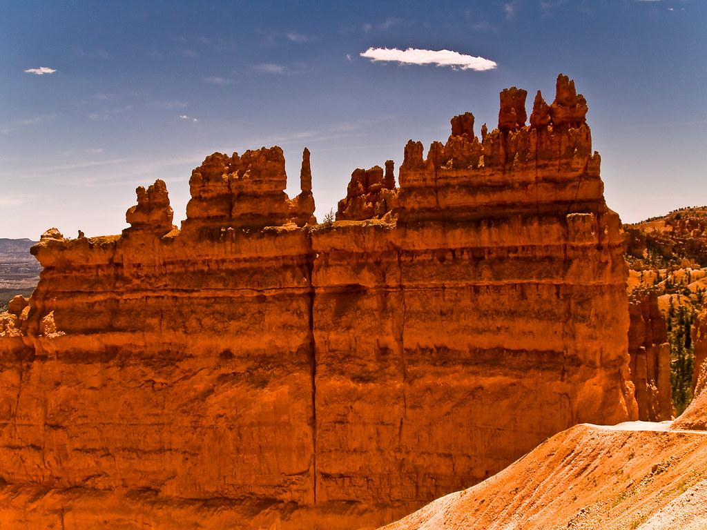ブライスキャニオン国立公園の不思議な形をした岩