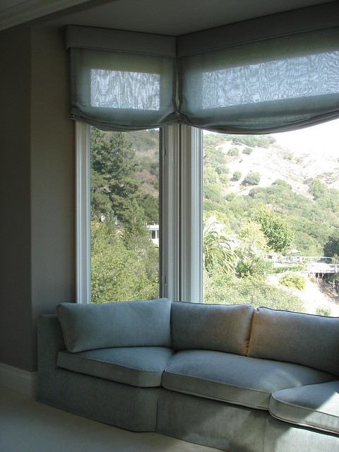 Bay window sofa reupholstered and new custom sofas for Bay window furniture