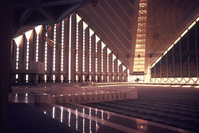 Interior - Shah Faisal Mosque   Flickr - Photo Sharing!