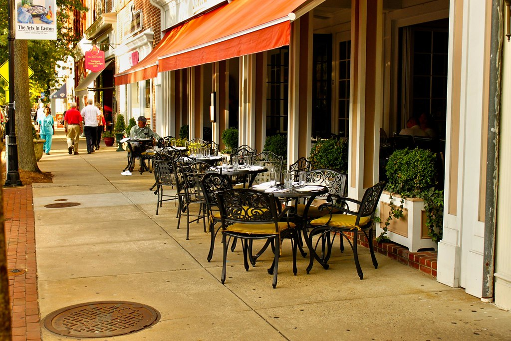 Outdoor Dining in Easton