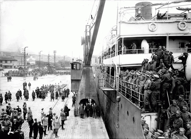 Marseille, 21 avril 1916 - L'arrivée du paquebot Amiral-Latouche-Tréville
