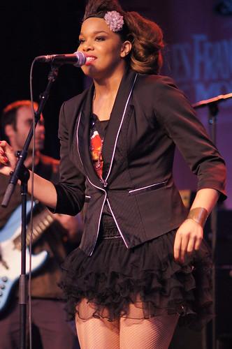 Melissa Nkonda, Francofolies, Sony A55, Minolta 135mm 2.8, Montréal, 13 juin 2011 (214)